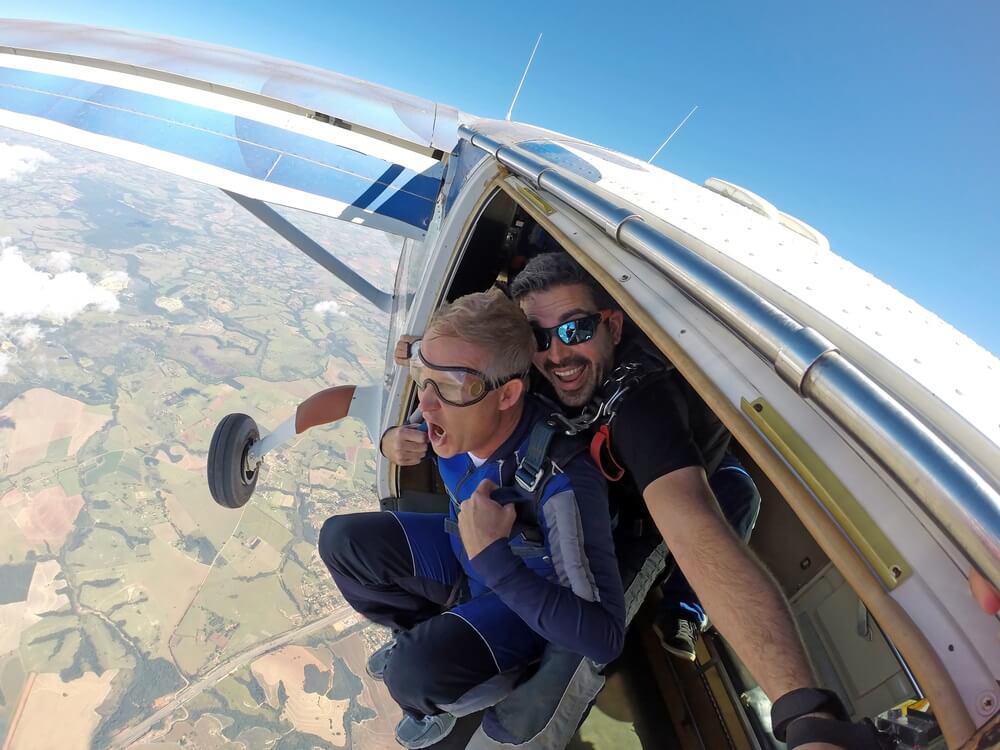 Springen uit een vliegtuig